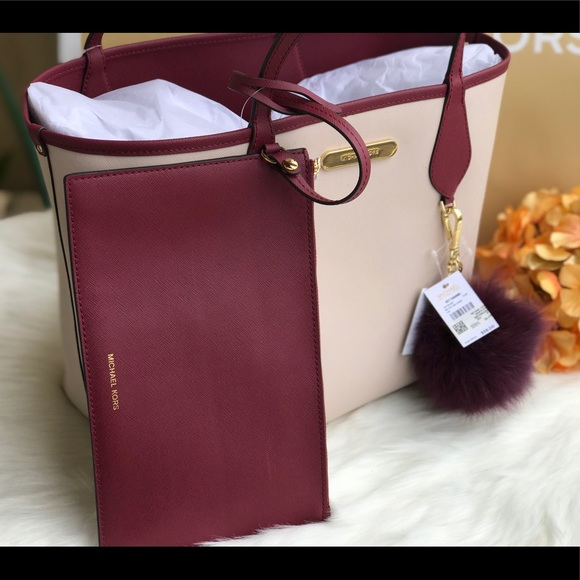 fd7f621f453ae7 Michael Kors Bags | Saige Reversible Tote Mulberrypink | Poshmark